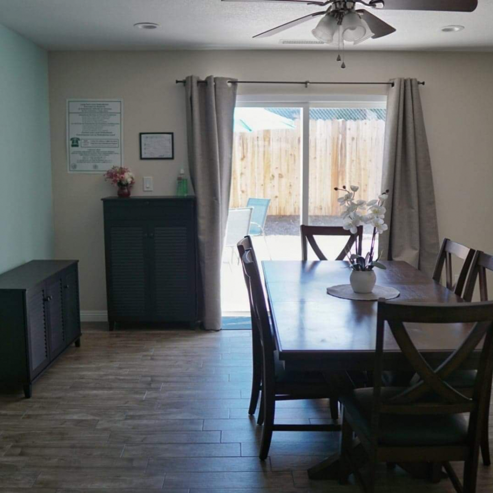 Blossom Valley Oasis | Assisted Living Home | 975 Asbury Ave, Pomona, CA 91767 | Dining Room View 4